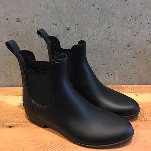 J.Crew Black Matte Chelsea Boots, Size 8.